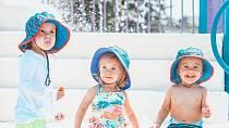 Tři holčičky, to je ale radosti.