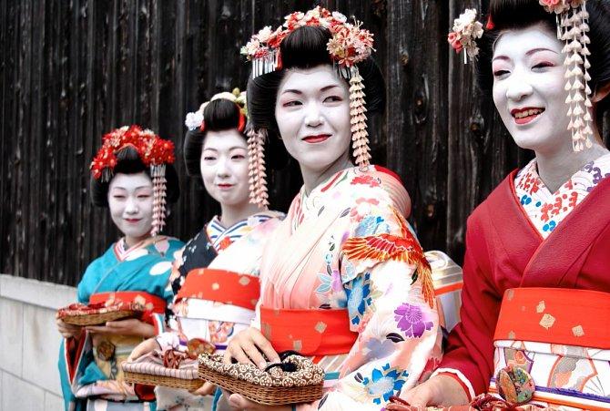Mizuage gejši se prodalo nejvyšší nabídce.