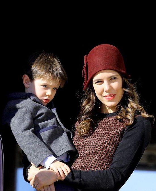 Charlotte Casiraghi má malého synka.