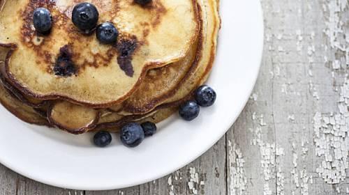 Připravte si luxusní víkendovou snídani: palačinky nebo lívance!