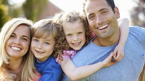 Nenuťte děti, aby vašemu partnerovi říkaly tati