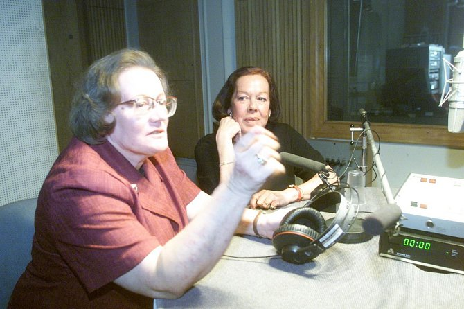 Yvonne Přenosilová pracovala v rádiu.