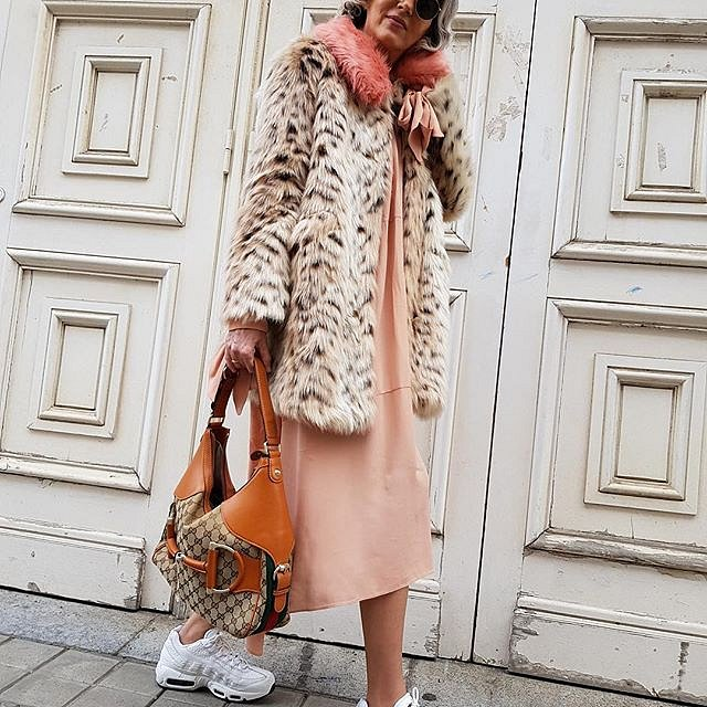 Carmen Gimeno se módy nebojí. Nepotřebuje drahé značky ani luxusní kousky. Kombinuje a užívá si.