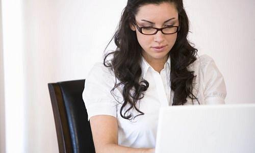Žena u počítače