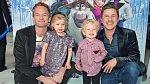 Neil a David mají dvojčátka Harper a Gideona.