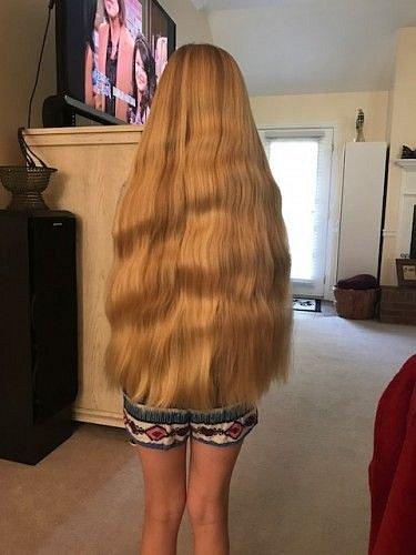 Nádherné vlasy.