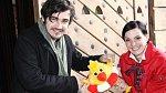 Vojta se angažuje i v pomoci dětem, na obrázku s Míšou Maurerovou