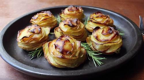 Úžasný kuchyňský trik: Bramborová růže krok za krokem