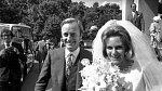 S princem Charlesem se Camilla scházela už před prvním sňatkem. Ale královskou rodinou nebyla přijata.
