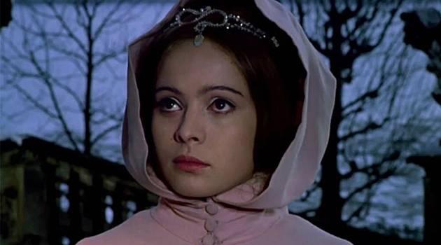 Snímek Tři oříšky pro Popelku šel do kin v roce 1973.