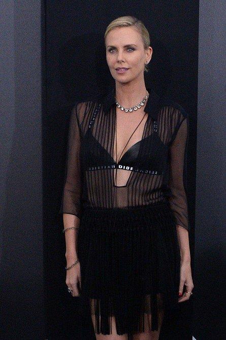 Nejlépe placené herečky roku 2017 - 7. Charlize Theron