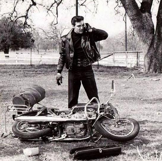 Elvis Presley 1944