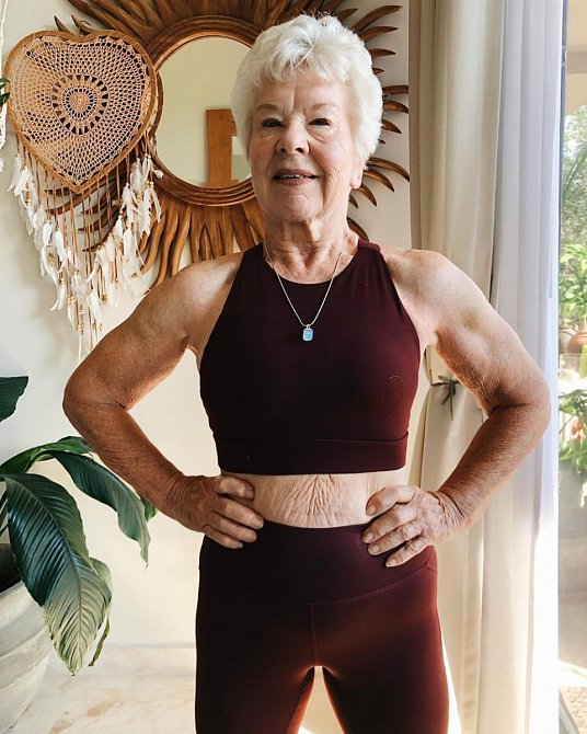 Joan MacDonald vypadá v 73 letech fantasticky.