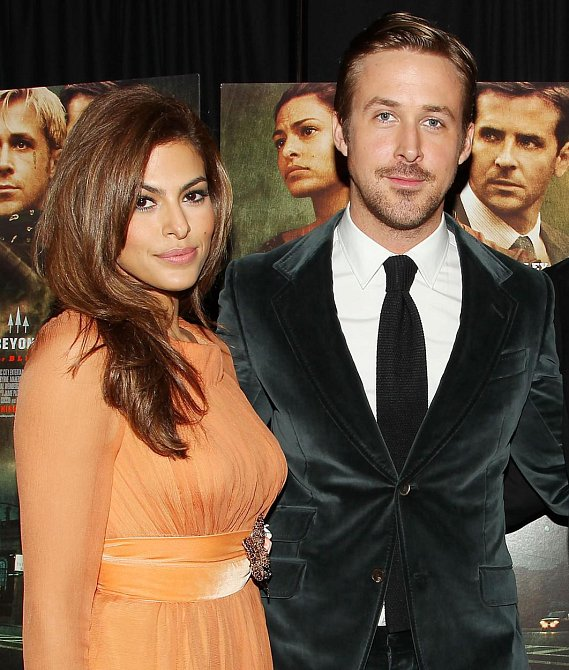 Eva Mendes a Ryan Gosling - The Place Beyond the Pines (Za borovicovým hájem)