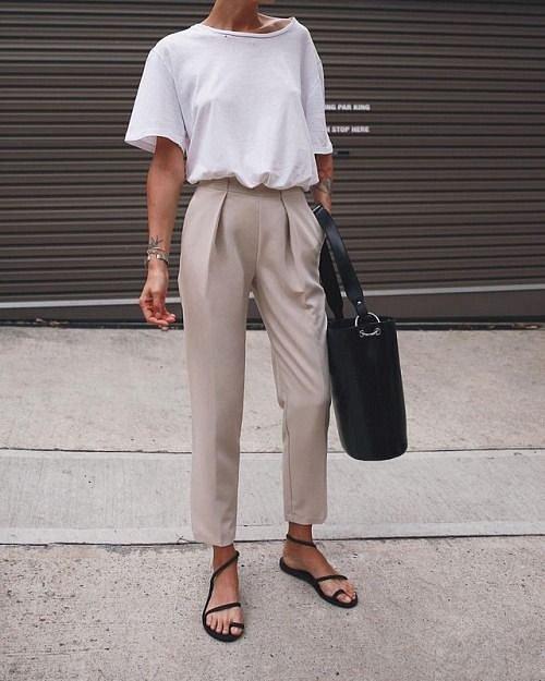 Ani v kalhotách se v létě nemusíte pařit.