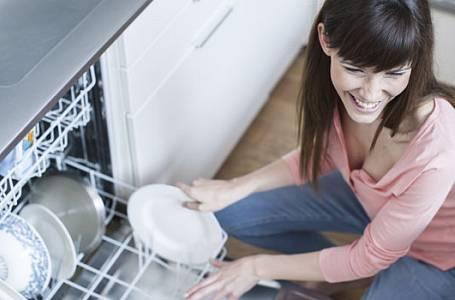 Myčka nádobí: Nebraňte se jí, budete nejlepší kamarádky!