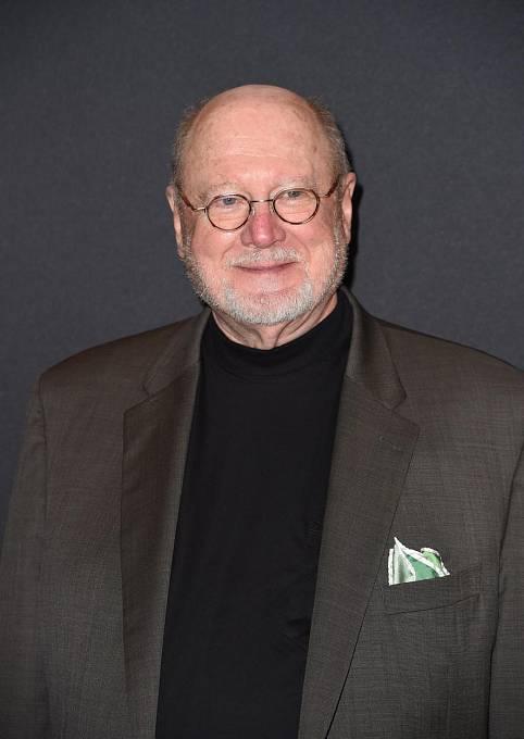 Velmi miluje hudbu, je dirigentem Newportského symfonického orchestru a oslavil již 74. narozeniny.