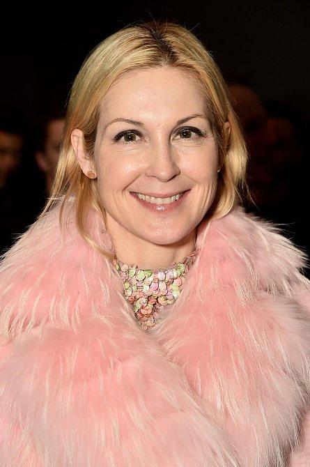 V letech 1996 až 1999 hrála Kelly Rutherford v seriálu postavu Megan Lewis. Při natáčení se skamarádila s Lisou Rinna a Marcií Cross a cvičí spolu pravidelně jógu.