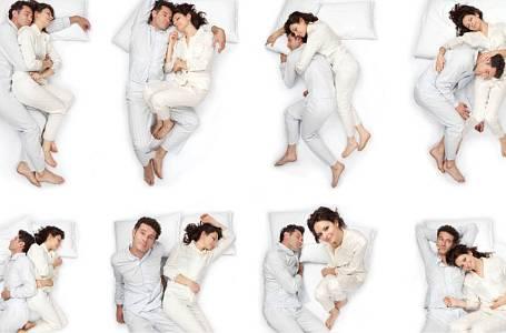 Polohy při spánku.
