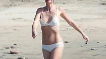 Krásná a vždy perfektně vypadající herečka Gwyneth Paltrow konečně předvedla, že dokonalá není. V bikinách byla vidět její celulitida.