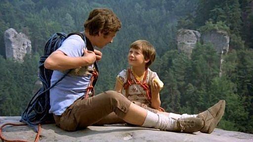 Ve filmech Jak vytrhnout velrybě stoličku a Jak dostat tatínka do polepšovny Tomáš exceloval.