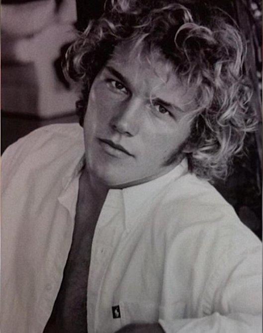 V osmnácti letech, daleko před svými přelomovými rolemi, dostával Pratt 40 dolarů za představení striptýzu na rozlučkách se svobodou a rovněž na oslavách narozenin babiček jeho kamarádů.