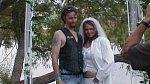 Tato nevěsta asi chtěla být hodně vostrá!