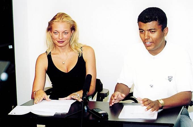 Lucie Rey v roce 2000, Televizní noviny tehdy moderovali už rok.