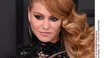 Účesy celebrit na udílení cen Grammy 2017 - Paulina Rubio
