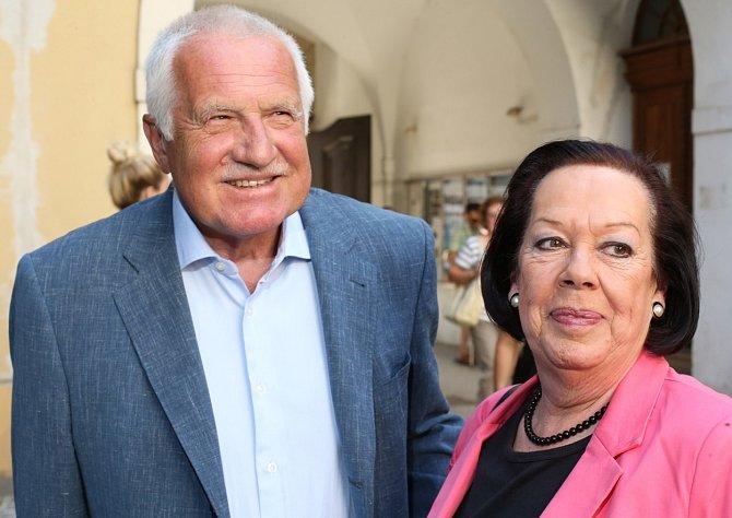 Yvonne Přenosilová s Václavem Klausem