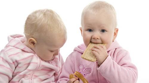 Celiakii lze předcházet již v prvním roce života dítěte