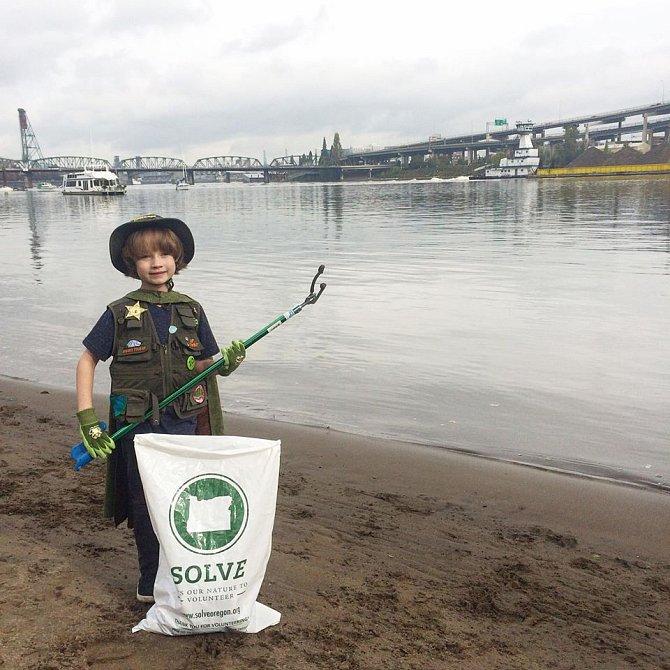 Pláž v Portlandu, kterou Henry s kamarády uklidili během jednoho odpoledne.