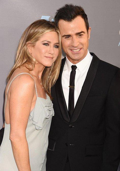 Jennifer Aniston a Justin Theroux - Wanderlust (Tohle je ráj)