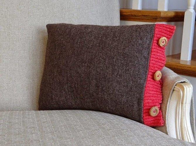 Ušít potah na polštář ze svetru je jednoduché