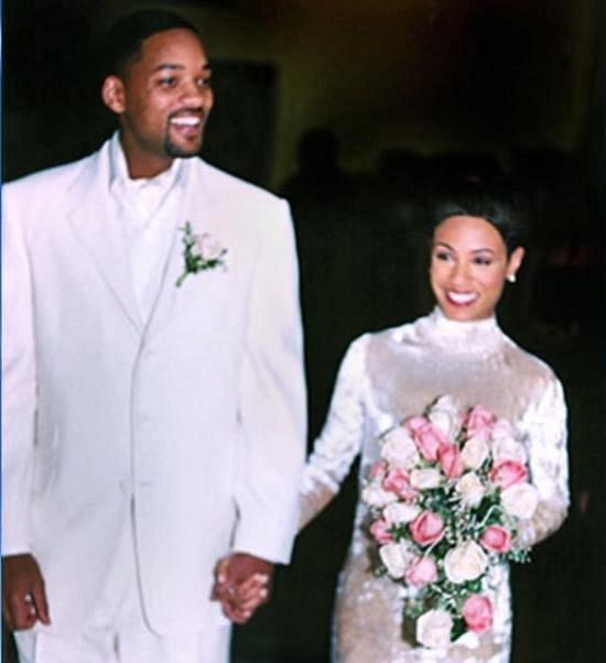 Jada Pinkett si brala Willa Smithe v bílých sametových šatech. Ten materiál se nepovedl.