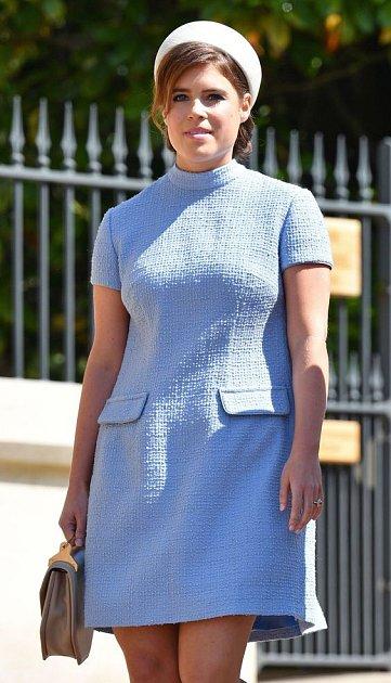 Ještě před rokem na svatbě Harryho a Meghan měla princezna Eugenie pár kilo navíc.