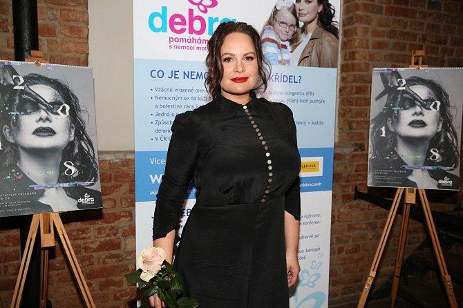 Jitka Čvančarová podporuje organizaci Debra.
