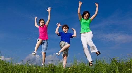 Deset tipů, jak být veselejším rodičem