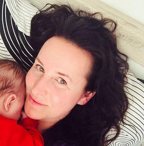 Moderátorka Lucie Šilhánová porodila své první dítě dceru Johanu.
