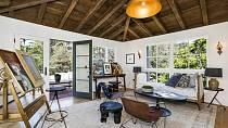 Hvězda Teorie velkého třesku si pořídila v Los Feliz dům za bezmála 7 milionů dolarů.