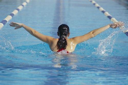 Sport, Hubnutí, Plavání
