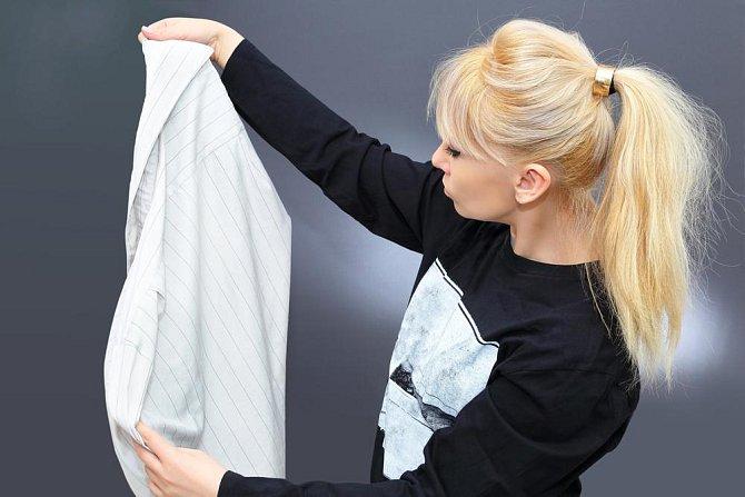 Ilustrační foto - skvrny na košili