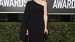 Gillian Anderson už dávno nenosí zrzavé vlasy.
