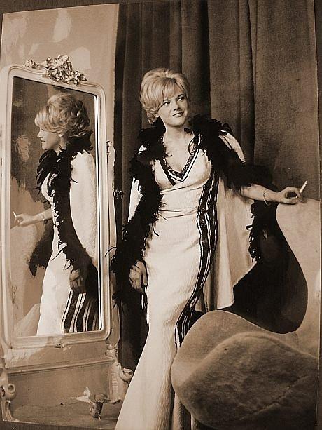 Eva Pilarová patří k legendám české hudby.
