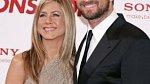 V akční romanci Exmanželka za odměnu byla jeho partnerkou Jennifer Aniston