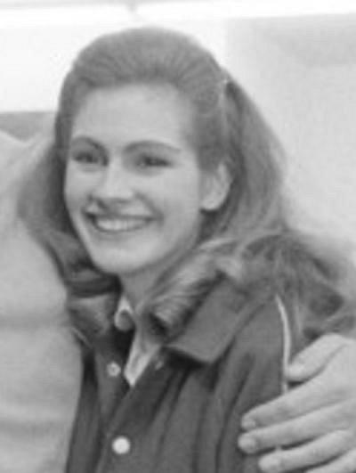 19 let - Julia Roberts se poprvé před kamerou objevila v roce 1986 v televizní kriminálce Crime Story