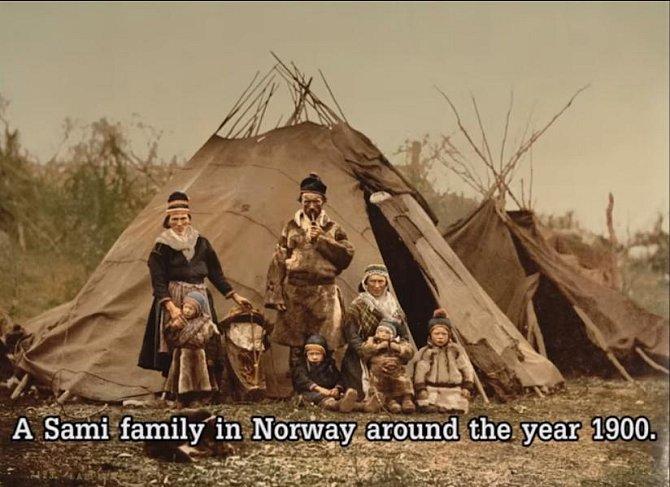 Rodina kočovníků v Norsku kolem roku 1900.
