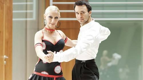 Naučte se tančit doma – Nepropásněte unikátní DVD Škola tance s Vlastou