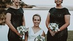 Jako nevěsta byla Charli půvabná a centimetry jí vůbec nescházely.
