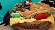 Tuto postel si určitě pořídí milovníci rychlého občerstvení...